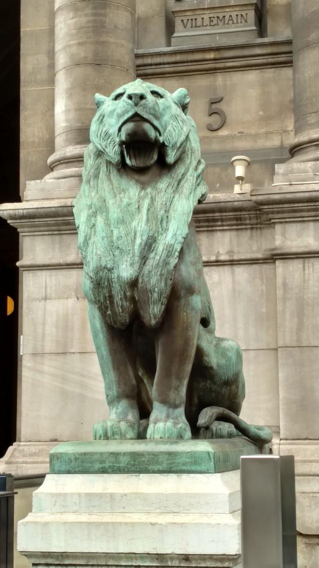Lion, Hotel de Ville